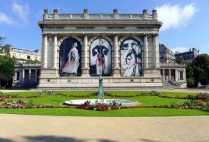 P1030817_Paris_XVI_square_Brignole-Galliéra_musée_Gallièra_rwk